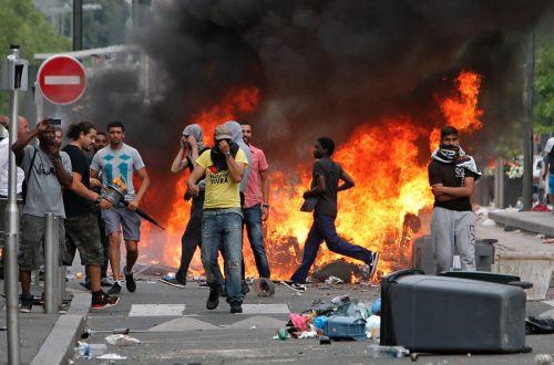 Muslims Rioting Paris
